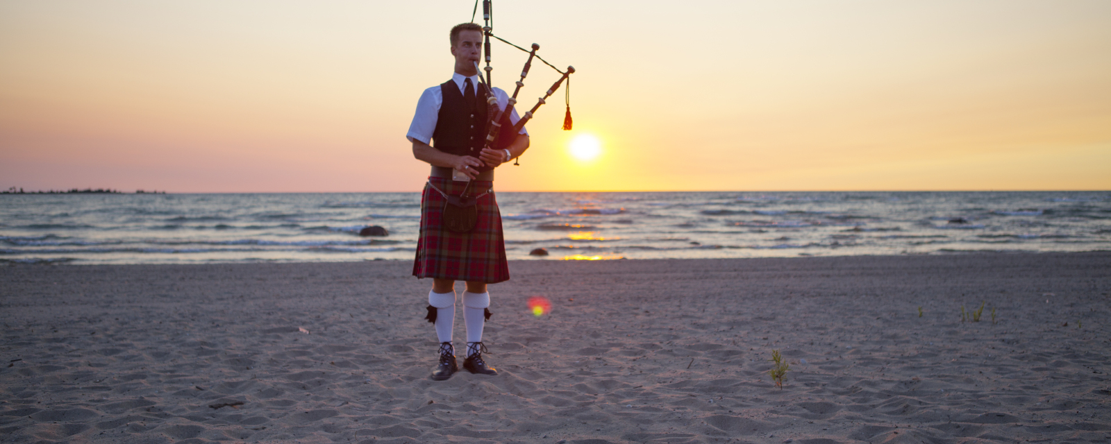 Kincardine Scottish Bagpipe Parade